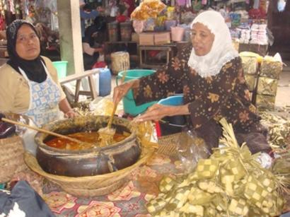 Catatan Santri Padang Magek, Dari Katupek Pitalah hingga Nasi Kiambang