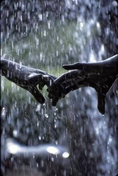 Kuingin Hujan Tetap Deras
