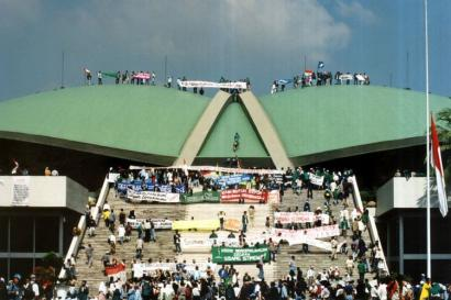 Refleksi 21 Mei 1998: Apa Kabar Reformasi?