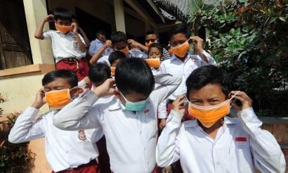 """Ayah Bunda, Petisi Tolak Aktivitas Sekolah Pesan """"Lunak"""" untuk Disimak"""
