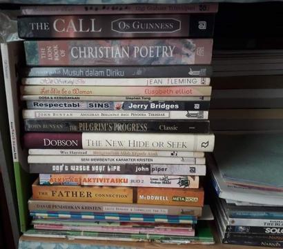 (Jangan) Beri Aku Buku. Perihal Mengoleksi Buku