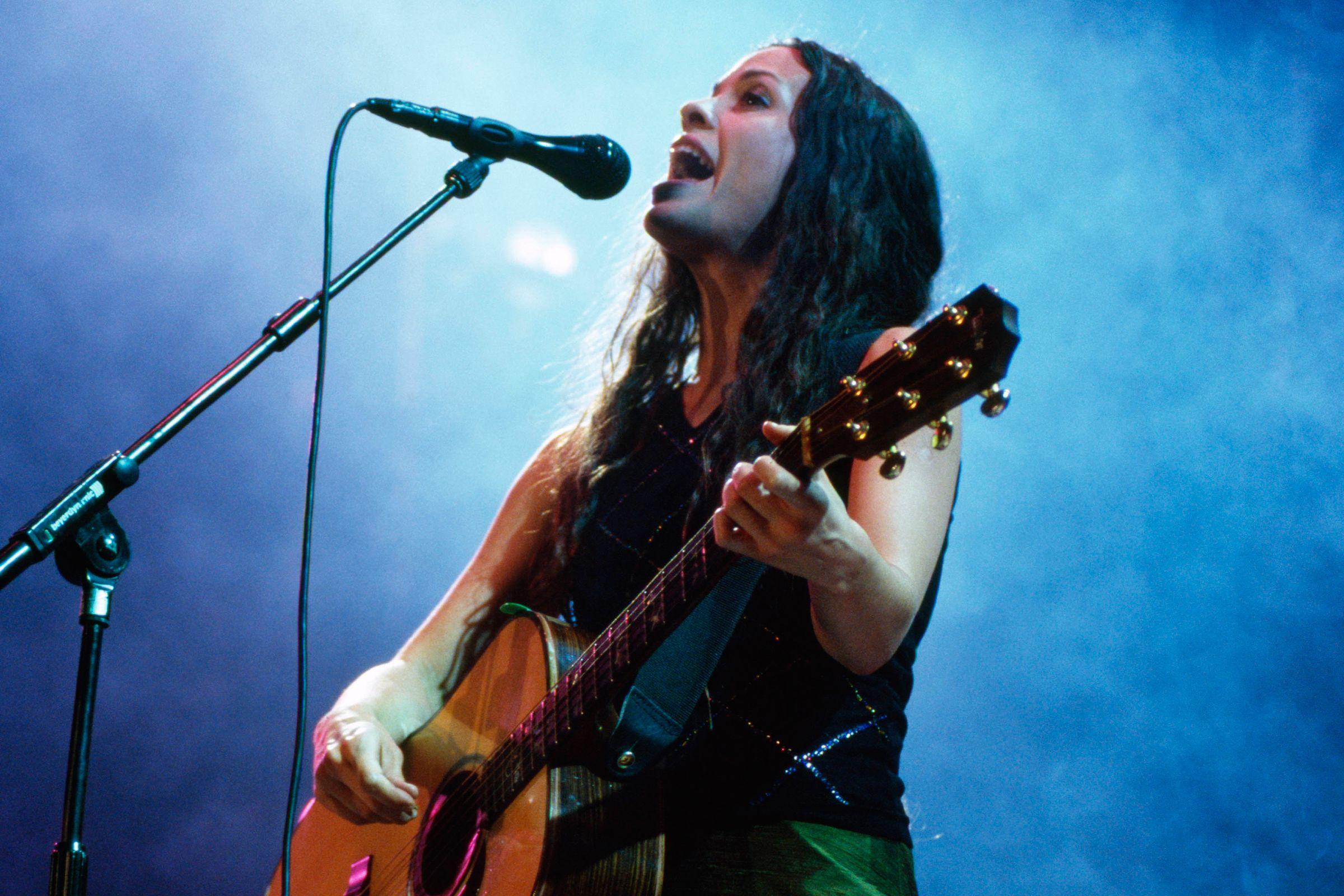Rilis Album Baru, Alanis Morissette Siap Geber Tur Dunia