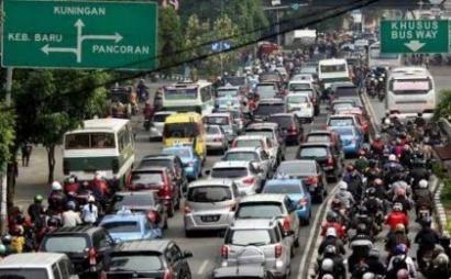 "Dari Logika Kemacetan Menuju ""The New Era of Transportations"""