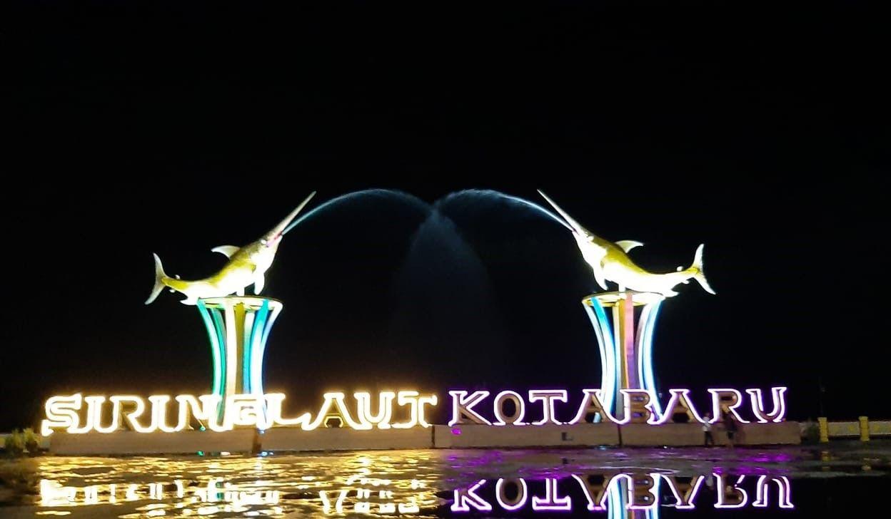 Debur Ombak Taman Siring Laut Kotabaru