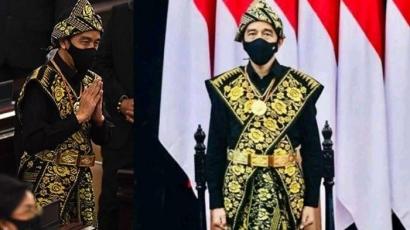 Kerennya Presiden Jokowi Mengenakan Busana Adat Sabu Raijua