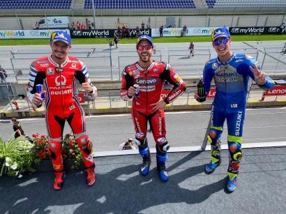 Dovizioso Juara MotoGP Austria, Rossi Lolos dari Kecelakaan Maut