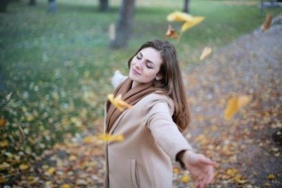 Wanita di Ujung Sunyi Namun Bahagia