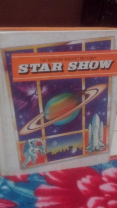 Cara Mereka Mengajarkan Pengetahuan Melalui Buku Star Show