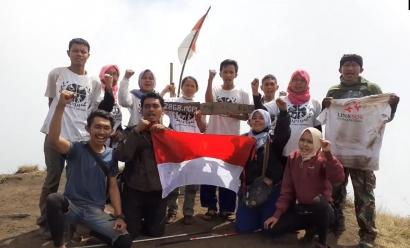 Inilah Kelompok Difabel Pendaki Gunung di Malang