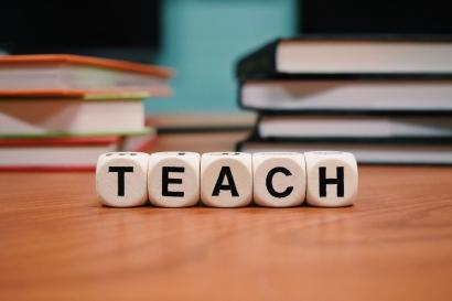 5 Karakter Guru Idaman