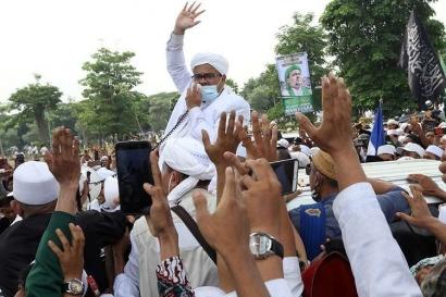 """Menyoal Prajurit TNI yang """"Bernyanyi"""" untuk Habib Rizieq dan Kelatahan Bermedsos"""