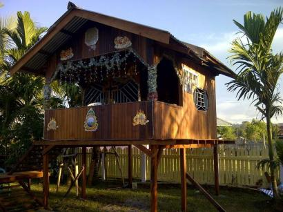 Tradisi Pondok Natal di Papua