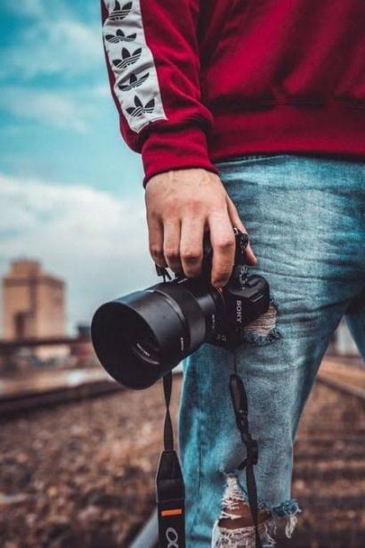 Bidikan Lensa Kamera Sang Fotografer