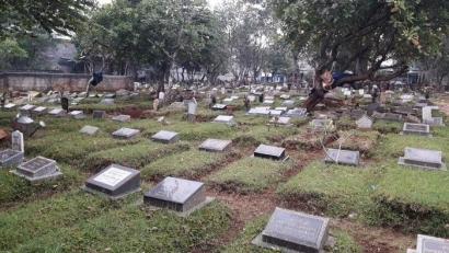 Hari Ini, Ada Lagi Berita Tentang Kematian (2)