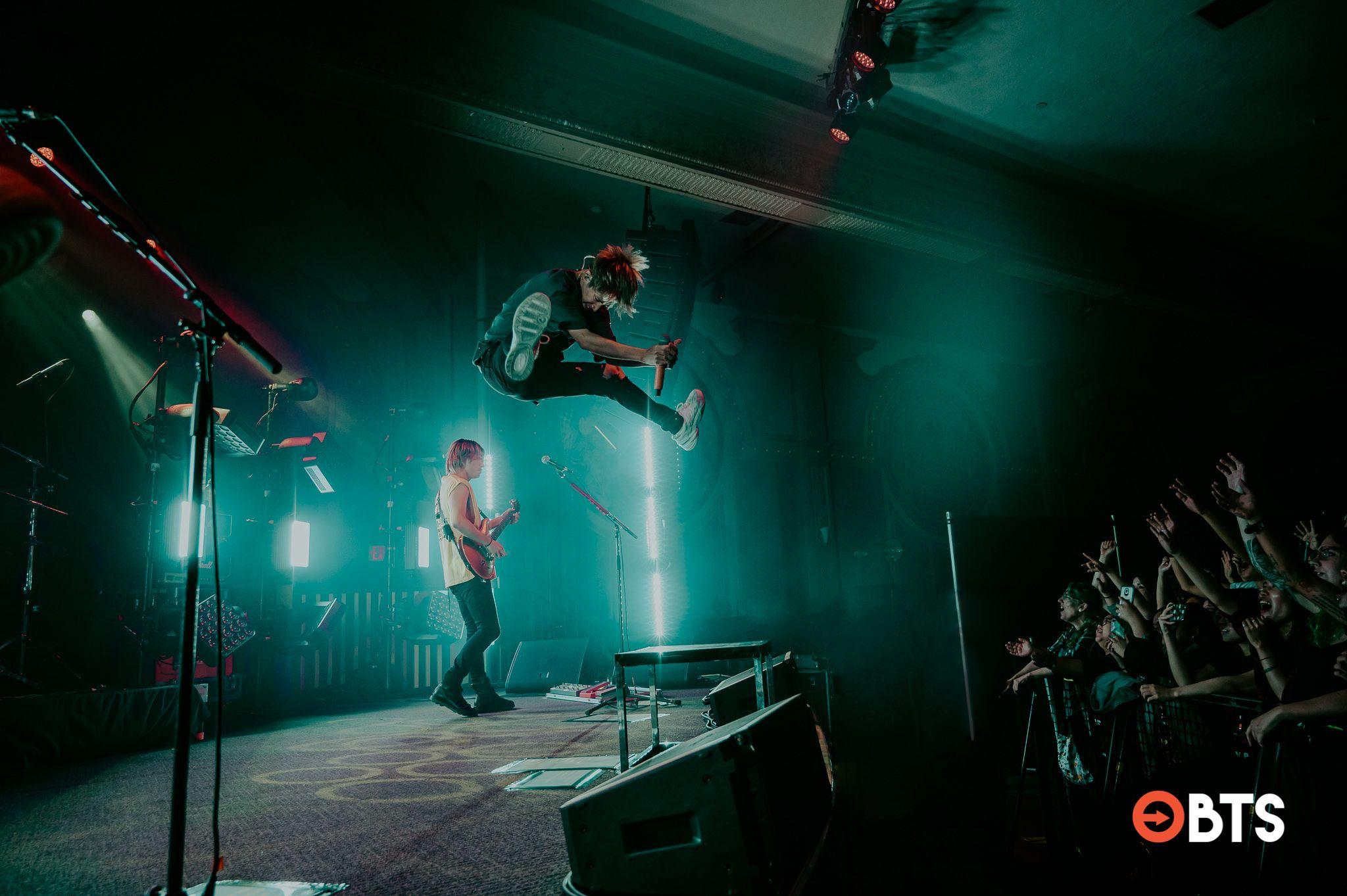"Mengenal Lebih Dekat ""One Ok Rock"", Band yang Aku Cintai Sepenuh Hati"
