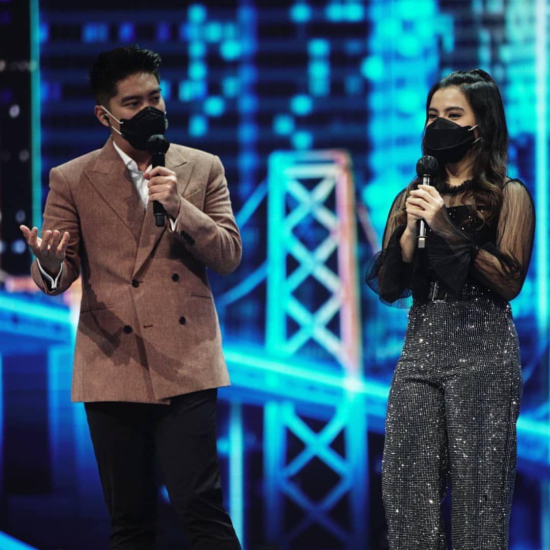 Femila Tereliminasi, Panggung Indonesian Idol Bergoyang