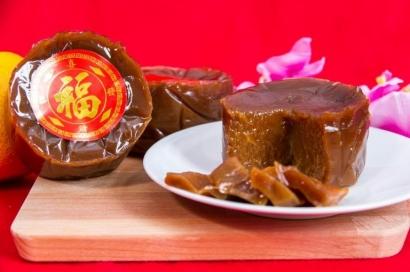 Kue Keranjang dan Barongsai Identik dengan Perayaan Imlek