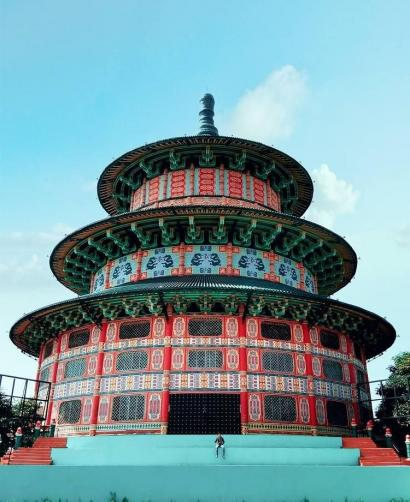 Megahnya Pagoda Tian-ti di Surabaya