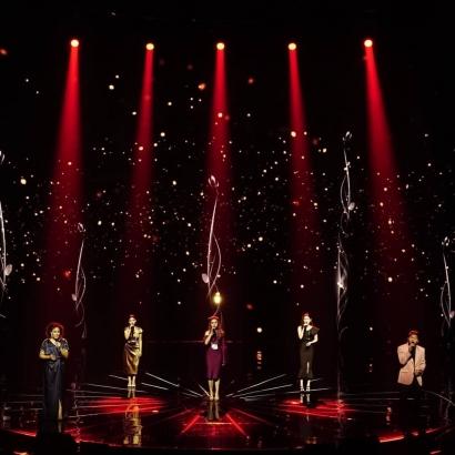 Layak Disebut Bintang, Top 5 Indonesian Idol Tampil Memukau Saat Berduet Bersama Juri