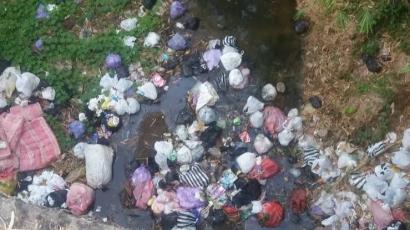 Jurus Pamungkas Membuat Jera Pembuang Sampah Sembarangan