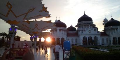 Tarawih Malam Perdana Ramadan 1442 H di Masjid Raya Baiturrahman Banda Aceh