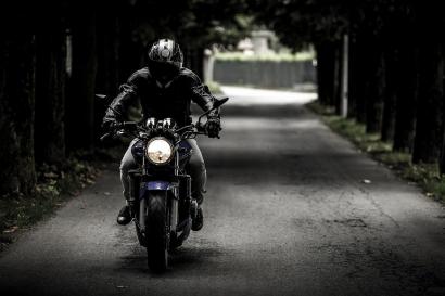 Tips Berkendara Sepeda Motor Jarak Jauh pada Bulan Ramadan, Awas Bengong!
