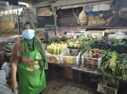 Nyala Kartini pada Marni, Pedagang Sayur Pasar Tradisional
