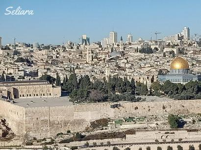 Melukis Senja (3): Sebuah Kisah dari Dome of The Rock, Palestina