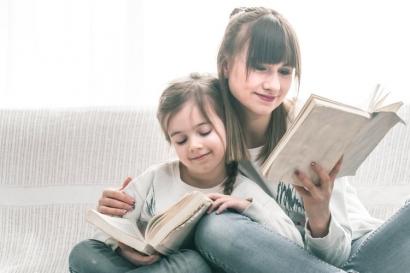 """Dari """"The Sky is Falling"""", Saya Belajar untuk Tidak Terlalu Menyensor Bacaan Anak"""