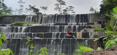 Ekowisata Grojogan Watu Purbo Kali Krasak dan Narasi Restorasi Lingkungan