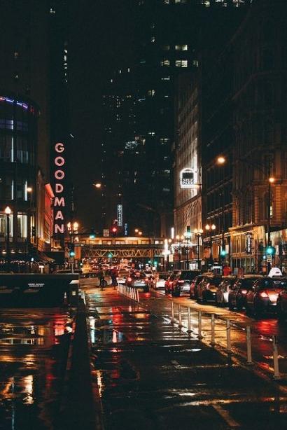 Malam Basah Riuh Lampu Kota