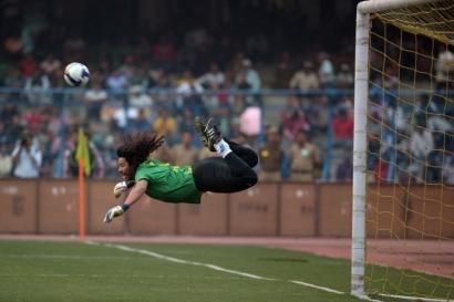 """Ngeri-ngeri Sedap """"Wajah Surealis"""" Sepak Bola Amerika Latin"""