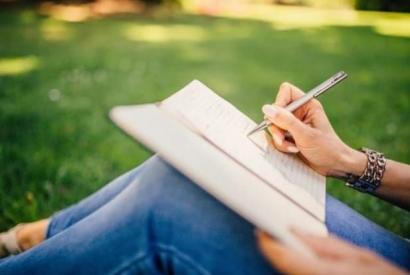 Merayakan Artikel ke-500 di Kompasiana dengan Sebuah Puisi