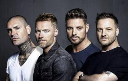 Shane Lynch, Keith Duffy, dan Mikey Graham Boyzone Juga Bisa Bernyanyi