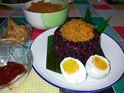 Songkolo Begadang Ketan Hitam, Makanan Khas Suku Bugis