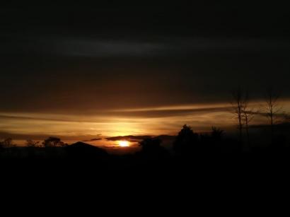 Permenungan Senja di Kaki Langit