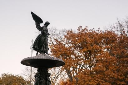 """Iris"", Ide tentang Malaikat Jatuh dan Kisah Cinta Dua Insan dari Dunia Berbeda"