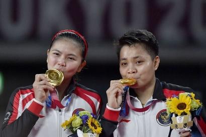 Greysia/Apriyani Lengkapi Koleksi Medali Emas Olimpiade Cabang Bulutangkis Indonesia