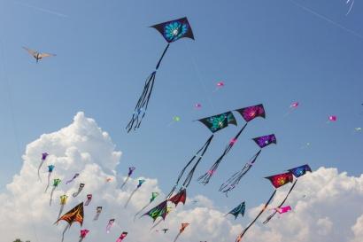 Fisika untuk Hiburan 54 (Resistansi Atmosfer): Mengapa Layangan Bisa Terbang?