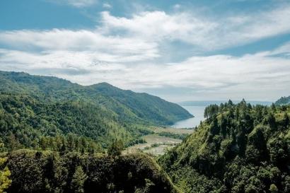 Bekerja Sambil Berwisata di Danau Toba Alangkah Nikmatnya