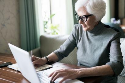 Gaya Bekerja Orang Menjelang Pensiun