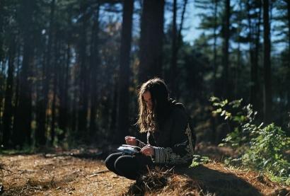 Benarkah Perempuan yang Menulis adalah Perempuan Hebat?