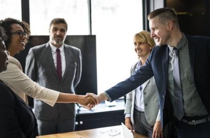 Esensi Melatih Manajemen Konflik dan Negosiasi dalam Lingkungan Kerja