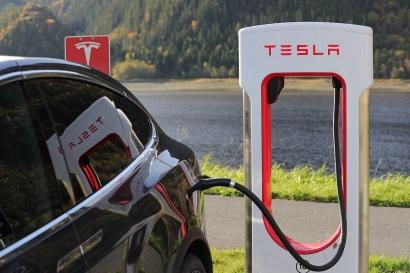 Dukung Net-Zero Emissions: Hemat Transportasi agar Mampu Beli Mobil Listrik