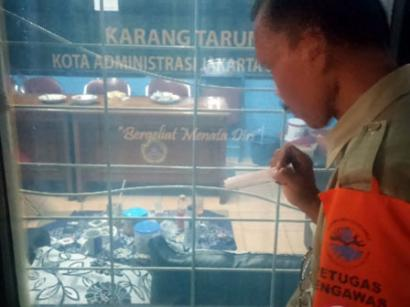 Kesadaran Masyarakat Untuk Tidak Merokok di Areal Perkantoran Masih Sangat Rendah