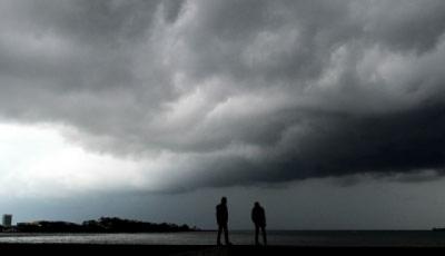 5 Kiat Mengatasi Cuaca yang Tak Menentu