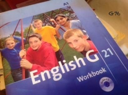 Buku Pelajaran Dipinjami Sekolah, Tak Usah Beli