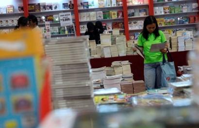 Antara Buku Obral dan Nasib Penulis Indonesia