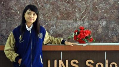 Anak Pembantu Jadi Lulusan Terbaik UNS